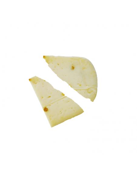 Fette di pecorino al pistacchio